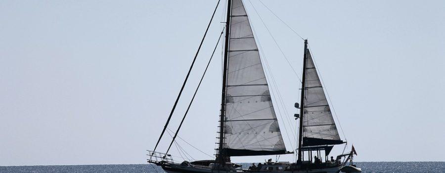 Segelschiffchen basteln und Pizzastangen backen